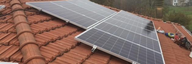 Pannelli solari su tetto complanari alla falda senza autorizzazione