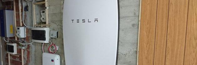 Sistema di accumulo Tesla Powerwall con fotovoltaico residenziale